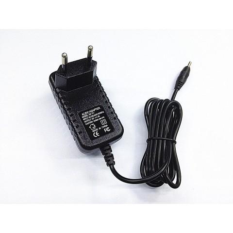 Hálózati tápegység 230V / 5V - 2A